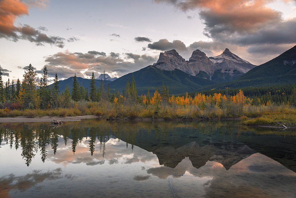 Sunset over Three Sisters in Autumn near Banff National Park, UNESCO World Heritage Site, Canmore, Alberta, Rocky Mountains, Canada, North America