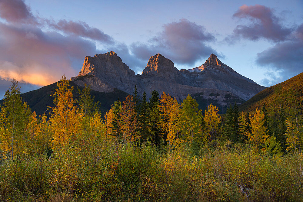 Sunrise in autumn at Three Sisters Peaks near Banff National Park, Canmore, Alberta, Canadian Rockies, Canada, North America - 1241-240