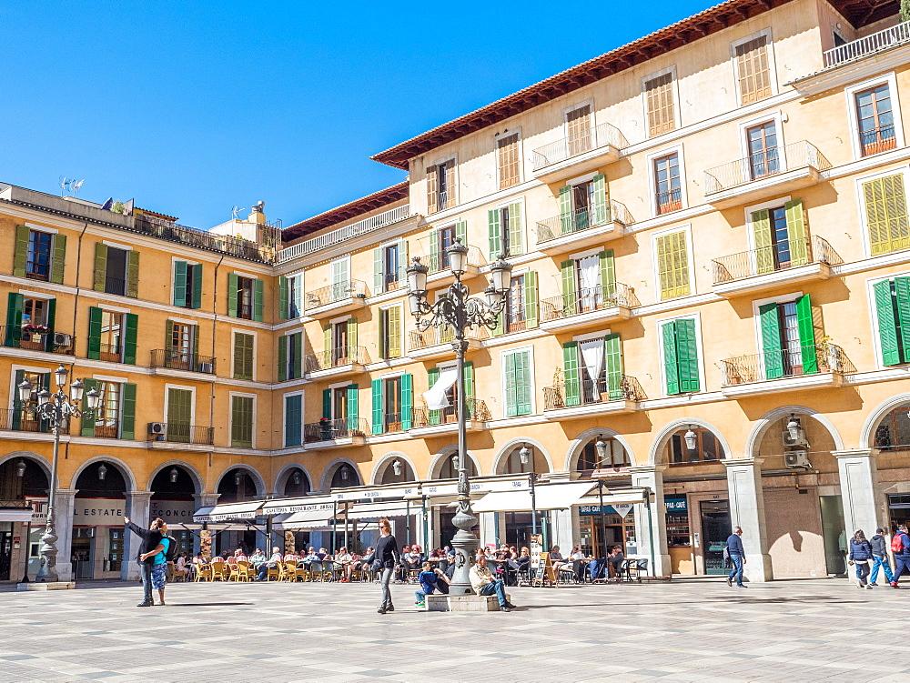 A city plaza, Palma, Mallorca, Balearic Islands, Spain, Mediterranean, Europe - 1242-101