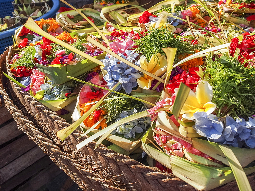 Offerings of flowers for sale, Denpasar, Bali, Indonesia, Southeast Asia, Asia