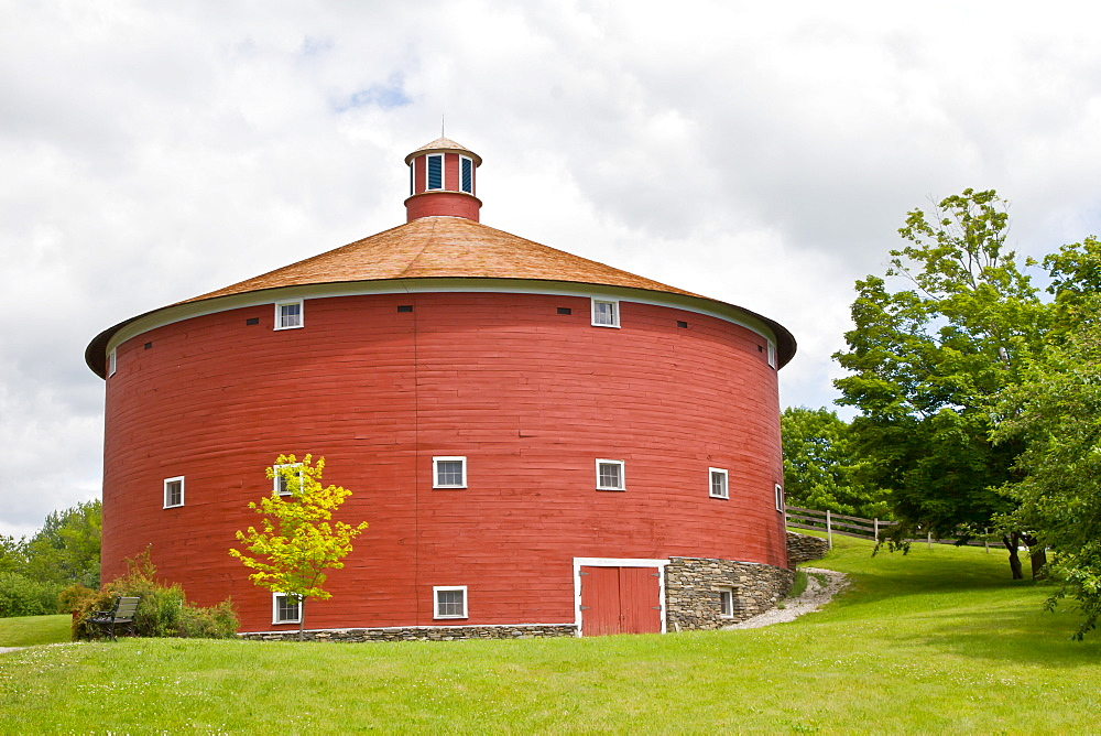 1901 Round Barn, Shelburne Museum, Shelburne, Vermont, New England, United States of America, North America - 1242-388