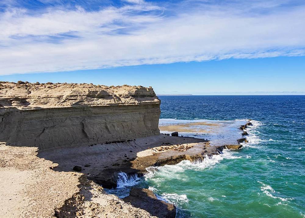 Punta Piramide, Valdes Peninsula, UNESCO World Heritage Site, Chubut Province, Patagonia, Argentina, South America