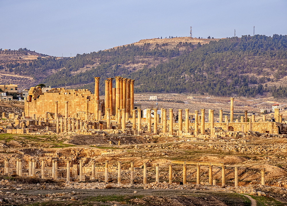 View towards the Temple of Artemis, sunset, Jerash, Jerash Governorate, Jordan, Middle East