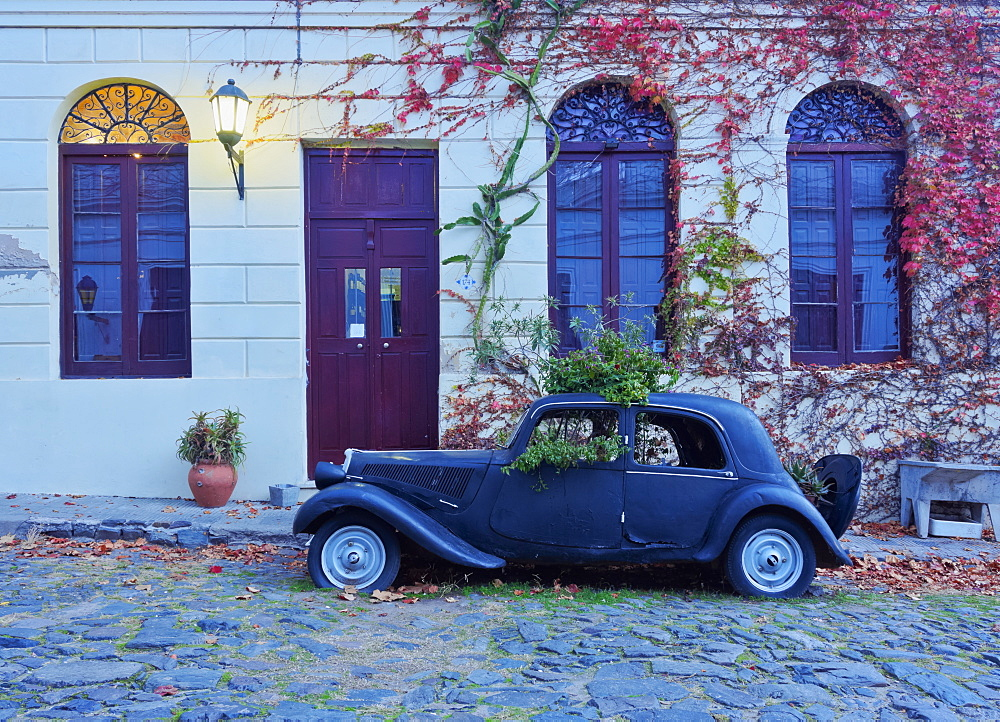 Vintage car on the cobblestone lane of the historic quarter, Colonia del Sacramento, Colonia Department, Uruguay, South America - 1245-4