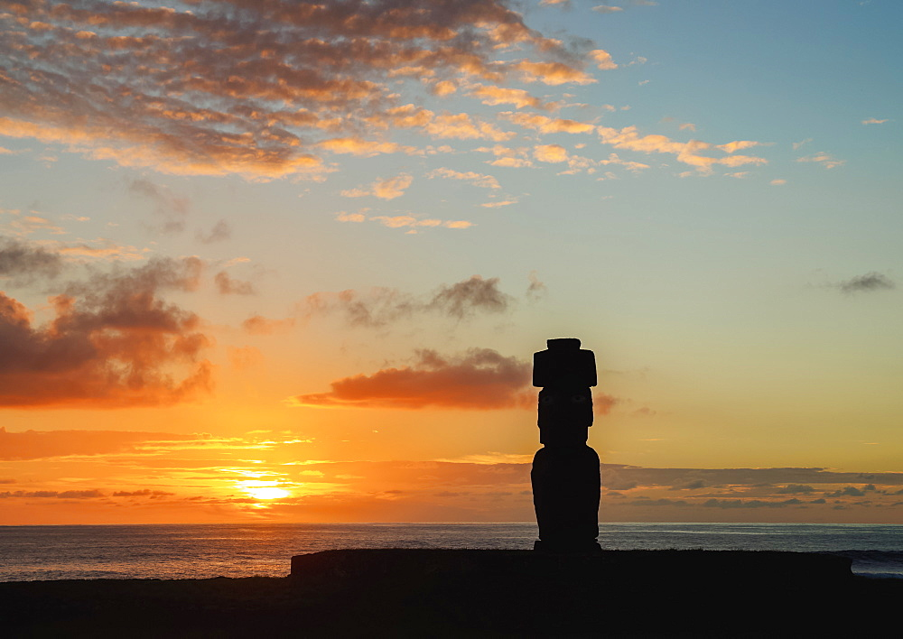 Moai in Ahu Ko Te Riku at sunset, Tahai Archaeological Complex, Rapa Nui National Park, UNESCO World Heritage Site, Easter Island, Chile, South America