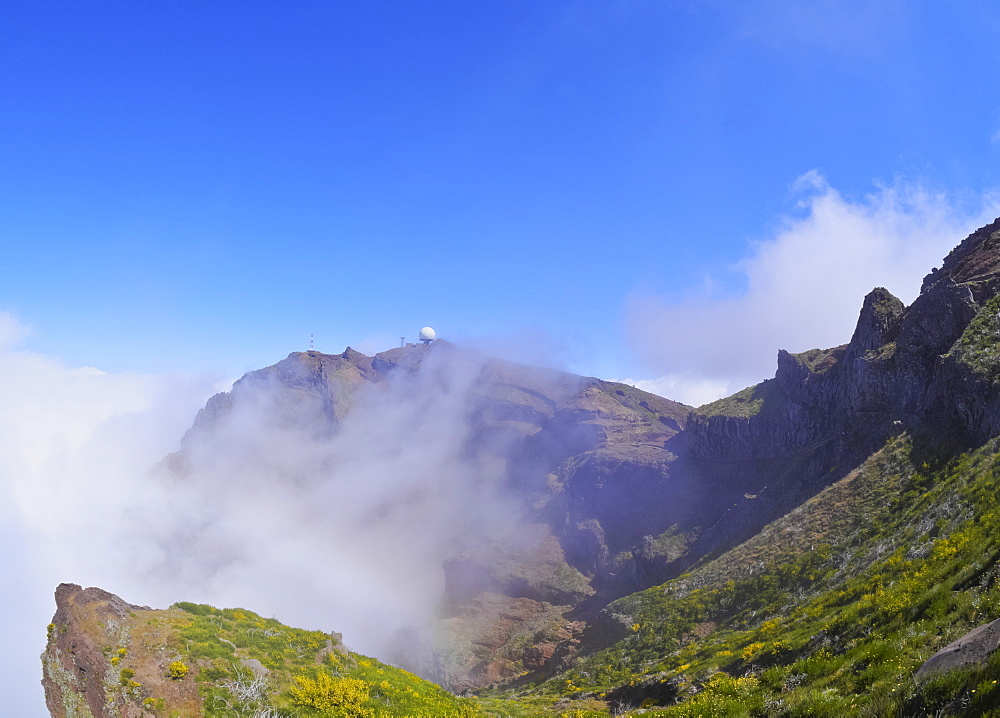 View towards the Pico do Arieiro, Madeira, Portugal, Europe