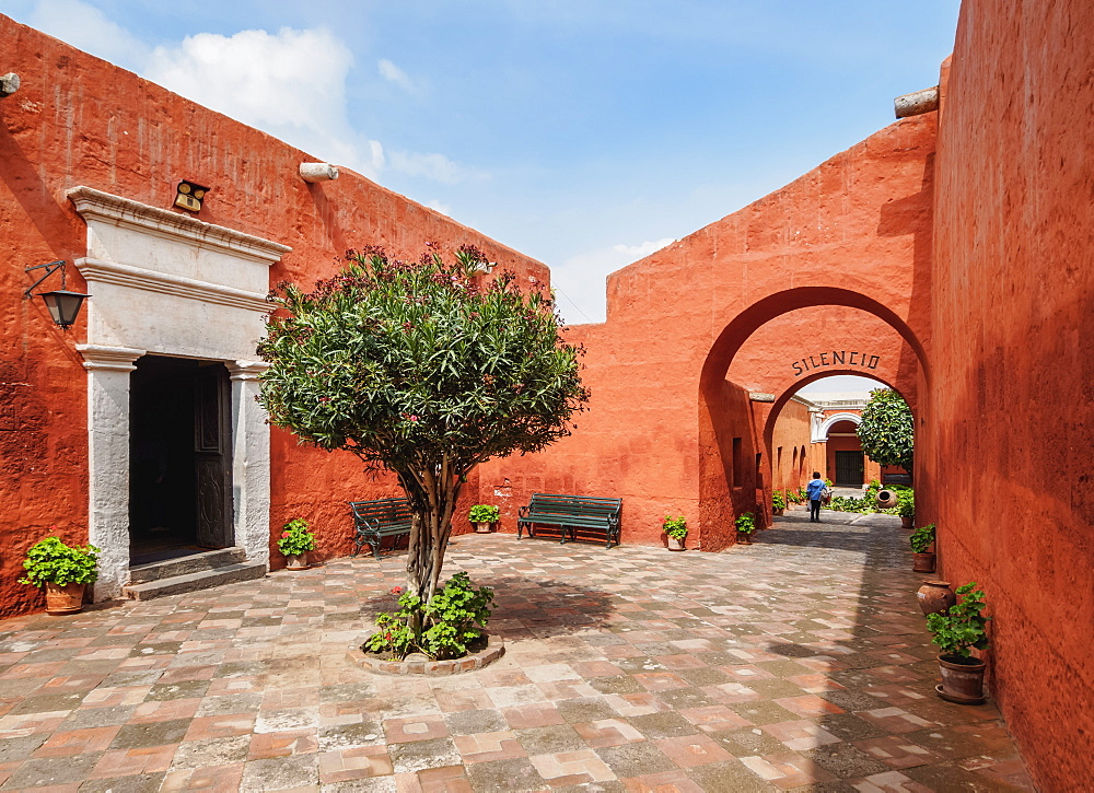 Santa Catalina Monastery, UNESCO World Heritage Site, Arequipa, Peru, South America