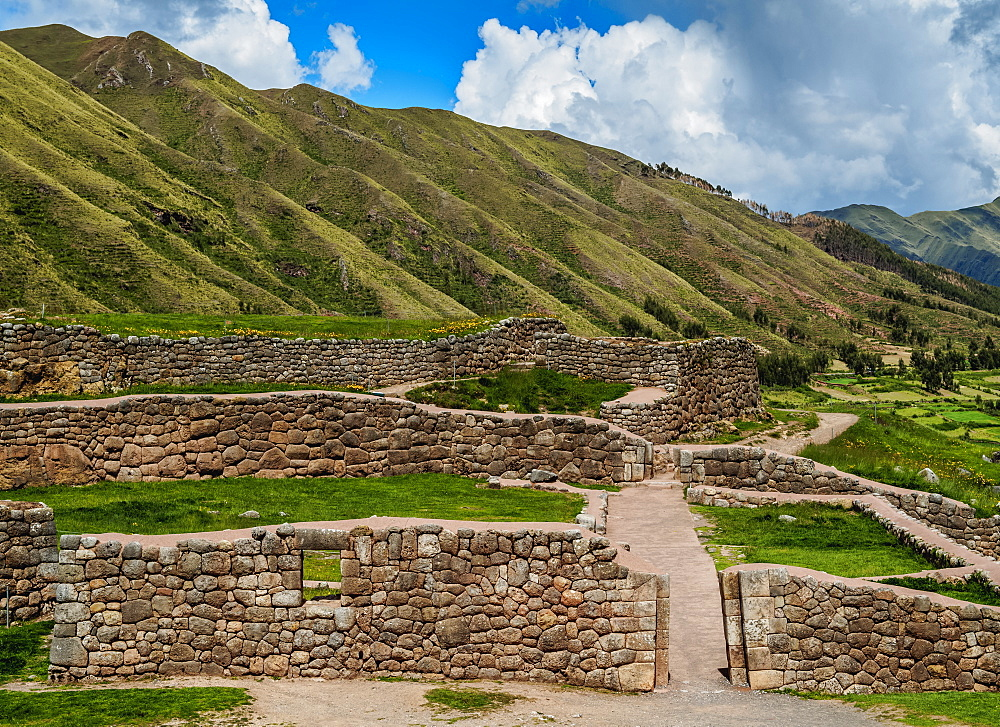 Puka Pukara Ruins, Cusco Region, Peru, South America