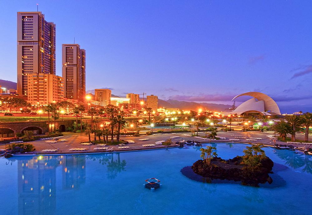 Parque Maritimo Cesar Manrique, Torres de Santa Cruz and Auditorium, Santa Cruz de Tenerife, Tenerife, Canary Islands, Spain, Atlantic, Europe