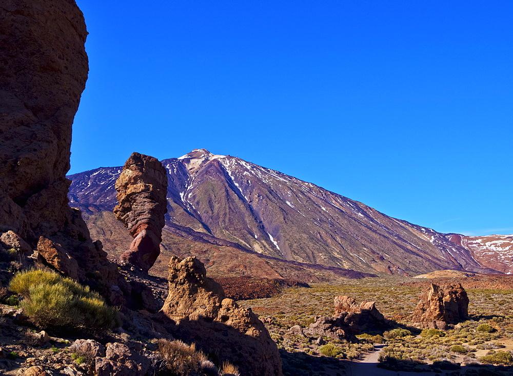 Teide Mountain and Roques de Garcia, Teide National Park, Tenerife Island, Canary Islands, Spain