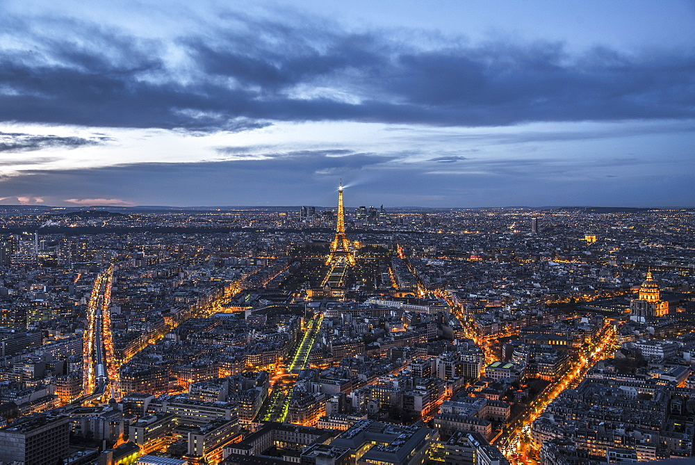 Paris at sunset from the Montparnasse Tower, the best viewpoint in Paris, Paris, France, Europe