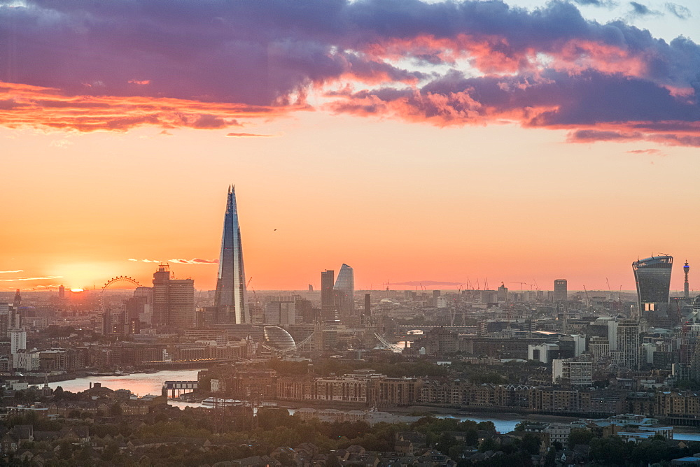 London , England. The sun sets over the city of London. - 1247-87