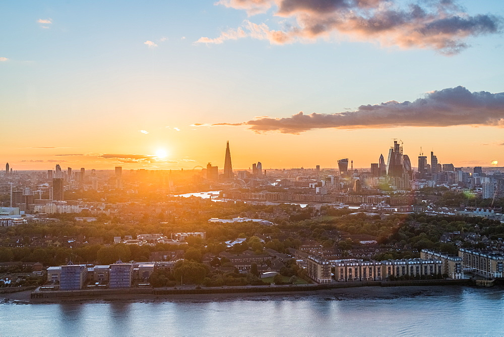 London , England. The sun sets over the city of London. - 1247-88