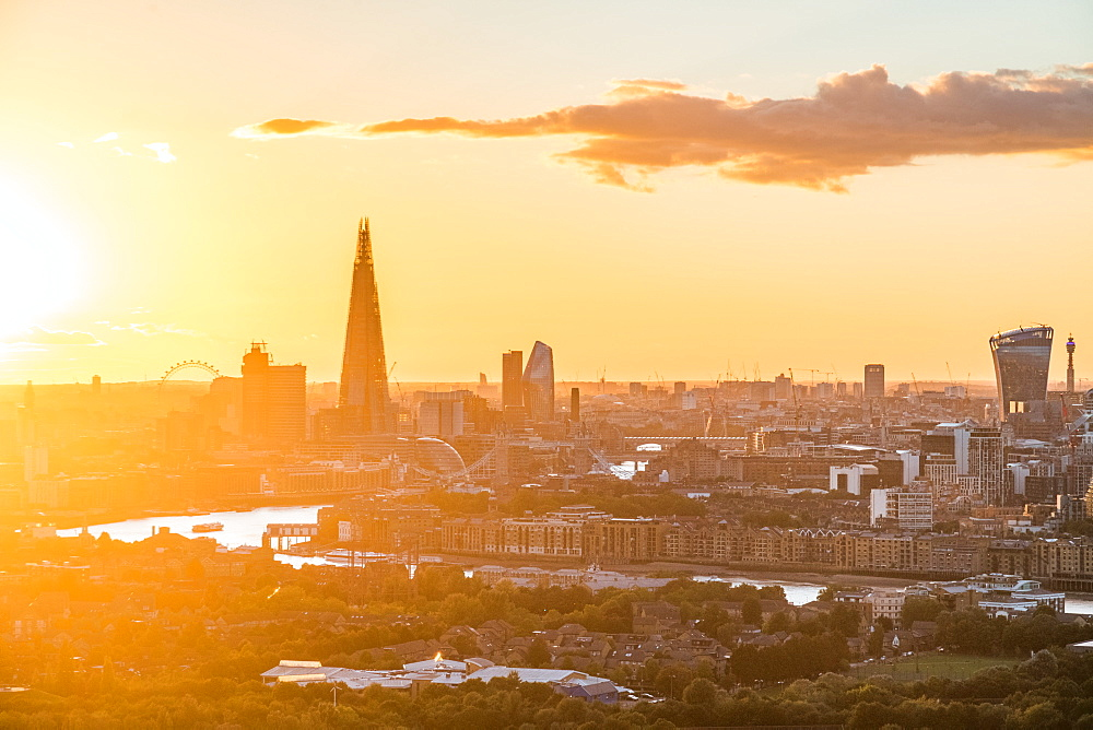 London , England. The sun sets over the city of London. - 1247-89