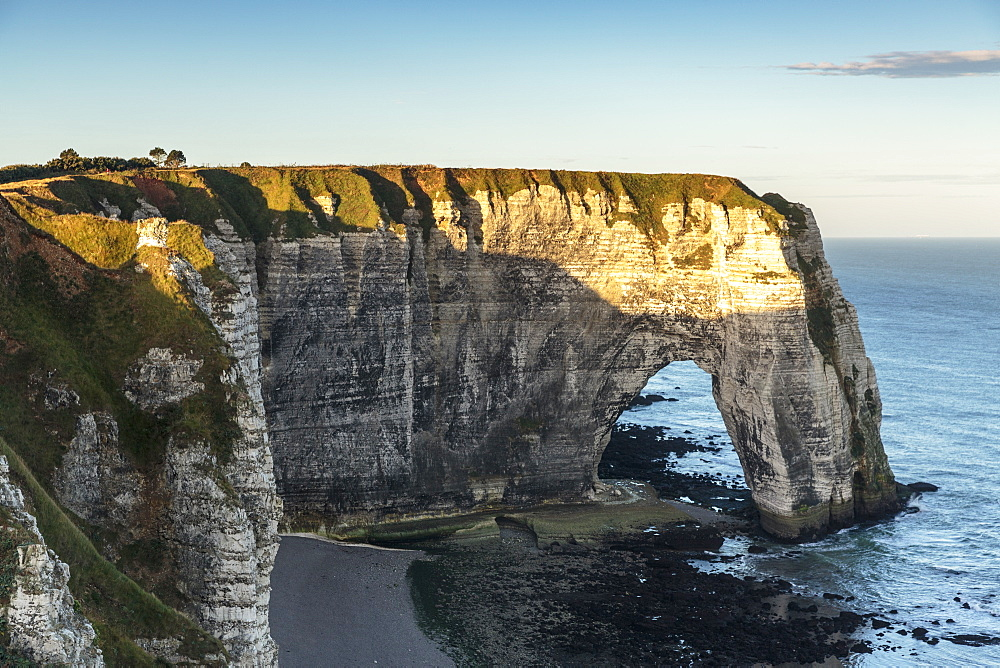 Cliffs seen from Porte d'Aval, Etretat, Normandy, France, Europe