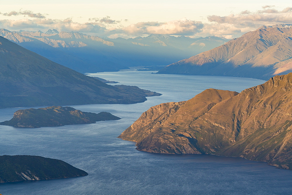 Lake Wanaka from Roys Peak lookout, Wanaka, Queenstown Lakes district, Otago region, South Island, New Zealand, Pacific