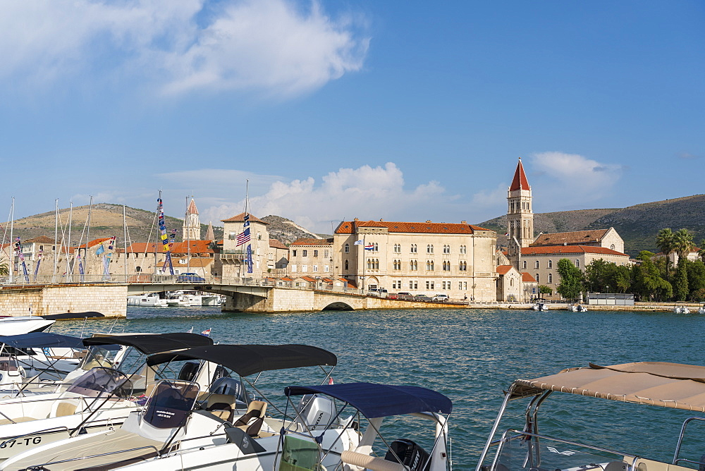 Boats and the bridge that connects the old town to the island of Ciovo, Trogir, Split-Dalmatia county, Croatia, Europe - 1251-517