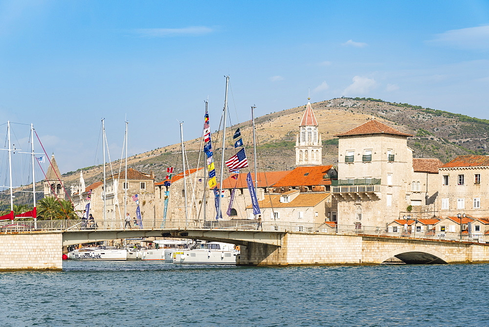 Sailing boats and the bridge that connects the old town to the island of Ciovo, Trogir, Split-Dalmatia county, Croatia, Europe