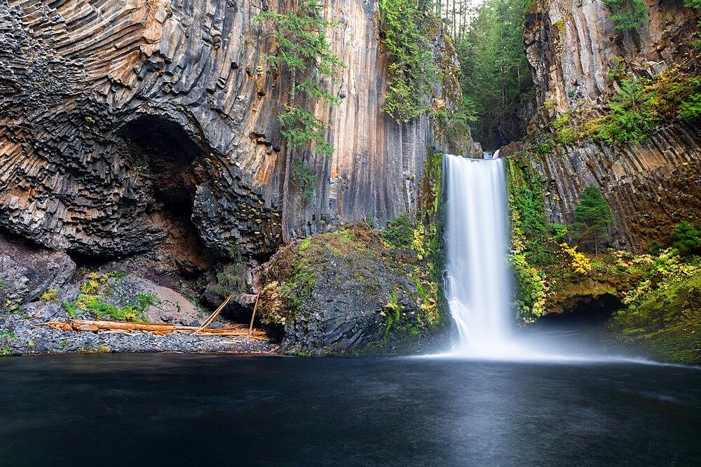 Toketee Falls in autumn, Douglas county, Oregon, United States of America, North America - 1251-548