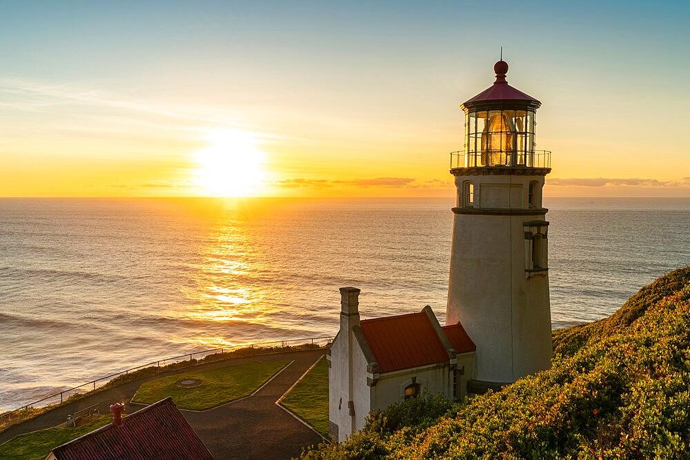 Heceta Head Lighthouse at sunset, Florence, Lane county, Oregon, United States of America, North America - 1251-554