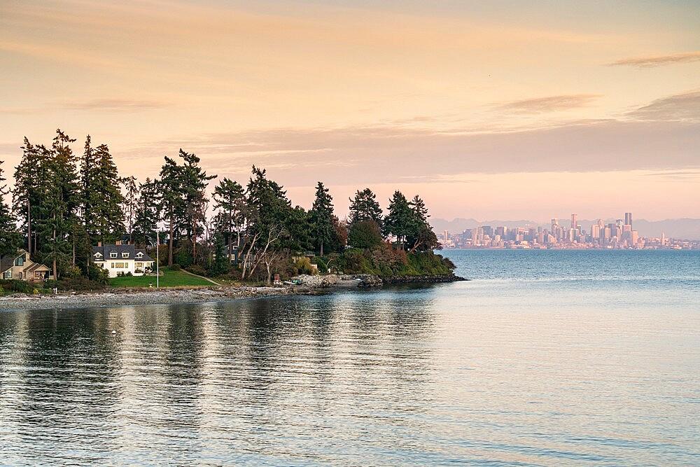 Bainbridge Island at sunset, with Seattle cityscape in the background, Seattle, Kitsap county, Washington State, United States of America, North America - 1251-566