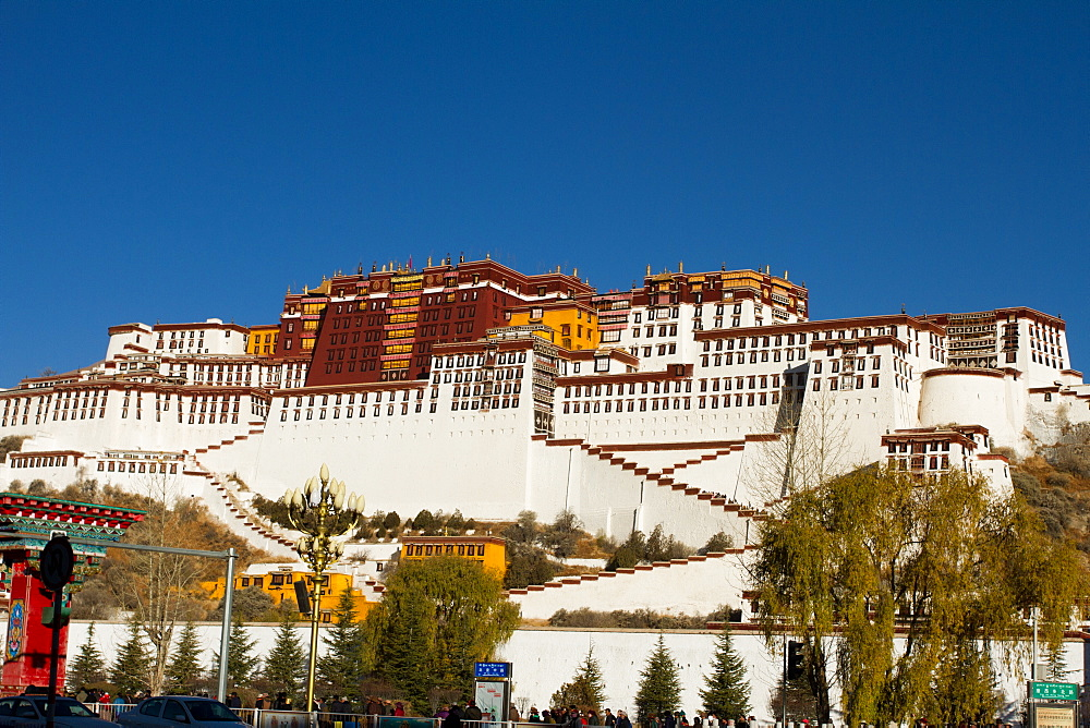 The Potala Palace of Lhasa, UNESCO World Heritage Site, Lhasa, Tibet, China, Asia