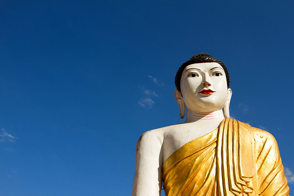Buddha of the Shwemawdaw Pagoda complex, Bagan (Pagan), Myanmar (Burma), Asia
