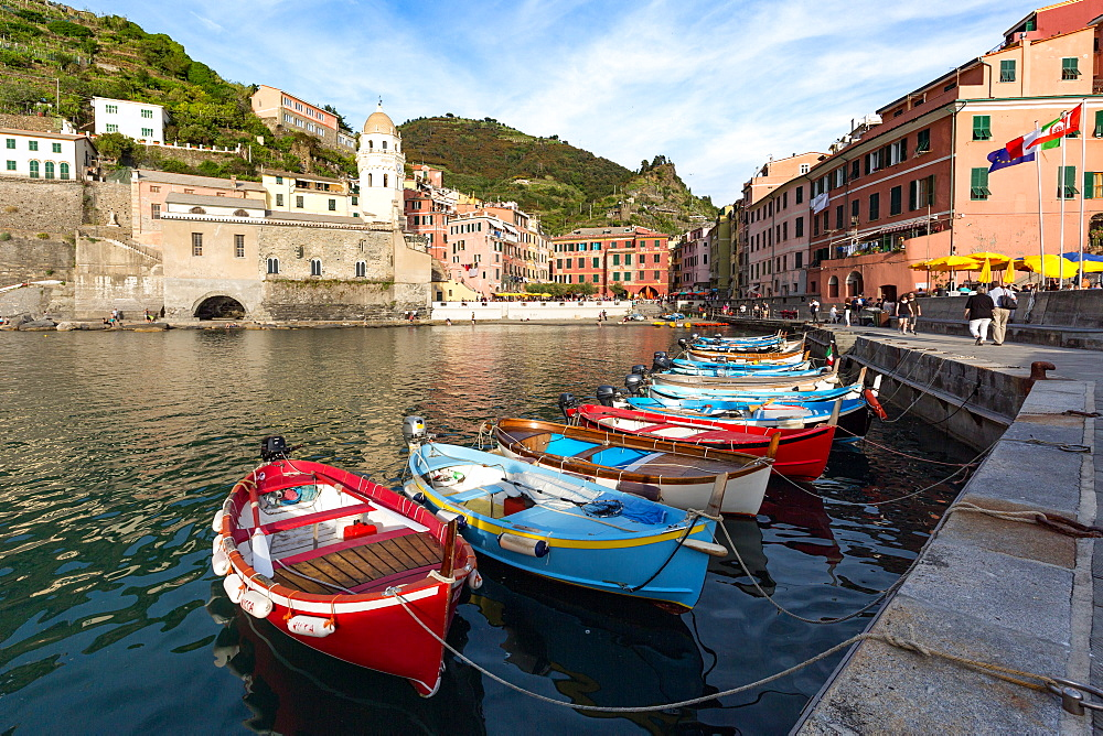 Colourful fishing boats in Vernazza harbour, Cinque Terre, UNESCO World Heritage Site, Liguria, Italy, Europe - 1263-100