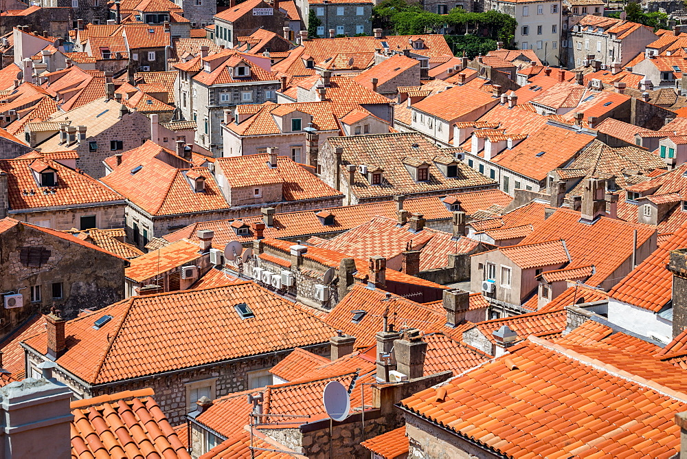 Looking across Dubrovnik's terracotta tiled rooftops, Dubrovnik, Croata, Europe - 1263-115