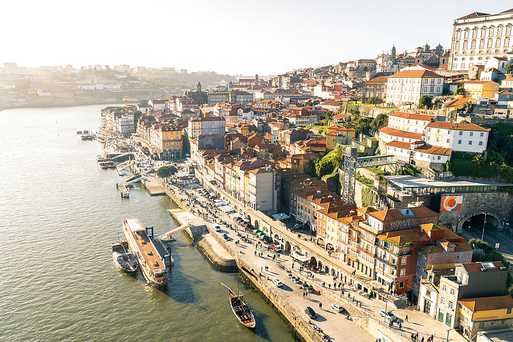 The Douro riverfront district of Ribeira at sunset, UNESCO World Heritage Site, Porto, Portugal, Europe - 1263-190