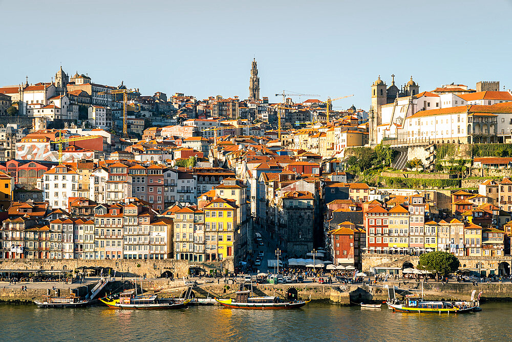 The view over the Douro River looking towards the Ribeira district of Porto, UNESCO World Heritage Site, Porto, Portugal, Europe
