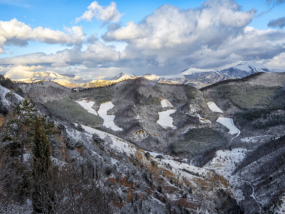 Apennines in winter after a snow storm, Umbria, Italy, Europe - 1264-100