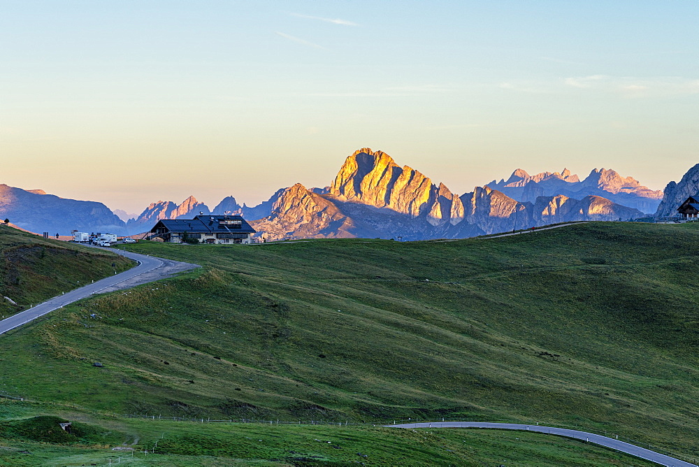 Giau Pass at sunrise, Dolomites, Veneto, Italy, Europe