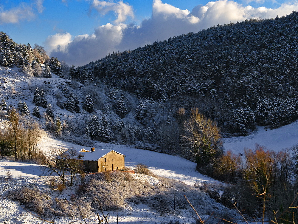 Snow on the Apennines in winter, Gubbio, Umbria, Italy, Europe - 1264-274