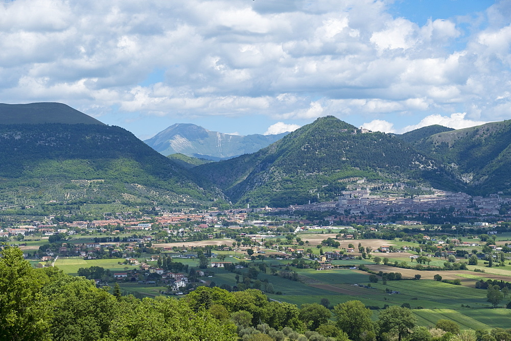 View of the Old Town, Gubbio, Umbria, Italy, Europe