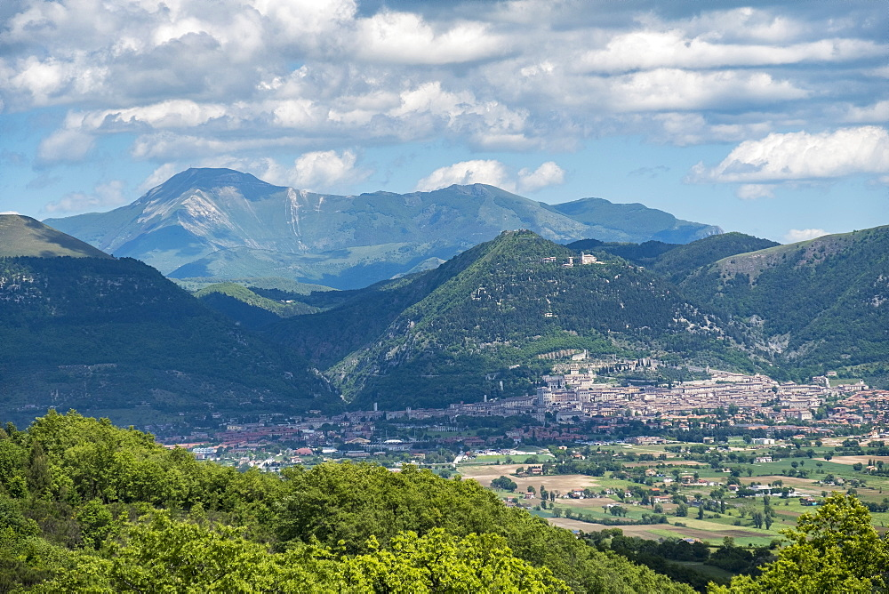 View of the old town, Gubbio, Umbria, Italy, Europe - 1264-34
