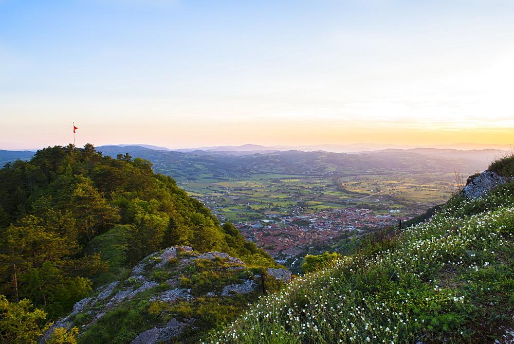Sunset in spring, Gubbio, Umbria, Italy, Europe