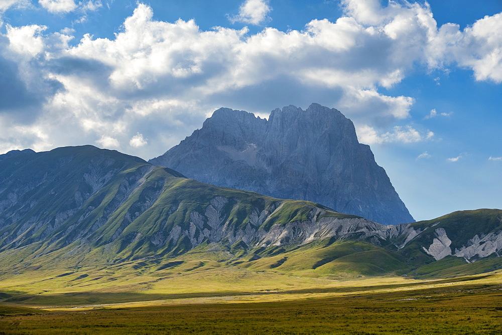 Italy, Abruzzo, Gran Sasso e Monti della Laga National Park, Corno Grande peak