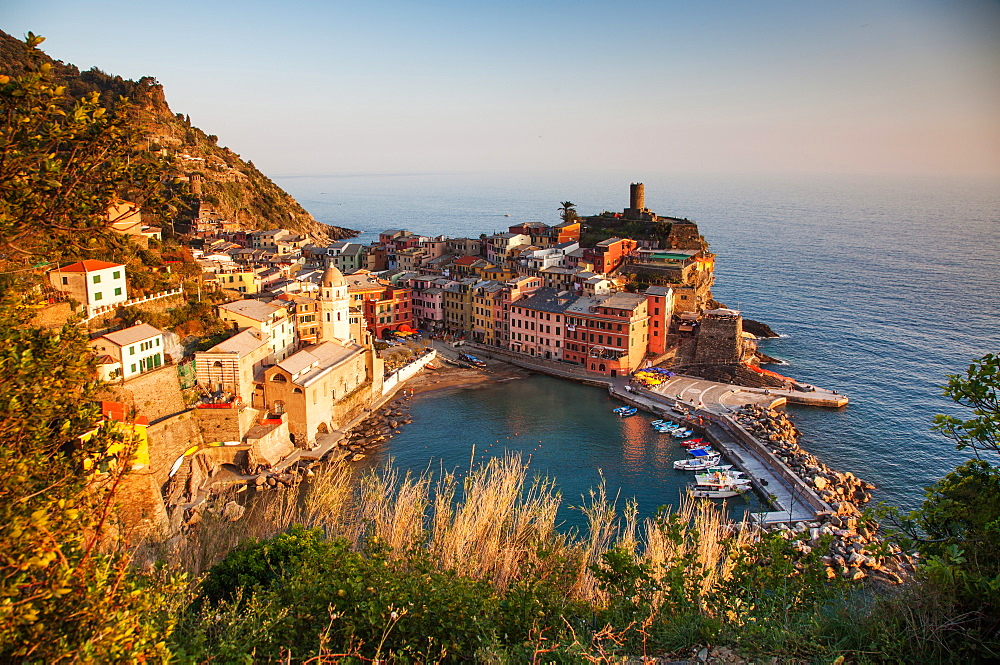Vernazza in sunset lights, Cinque Terre National Park, UNESCO World Heritage Site, Liguria, Italy, Mediterranean, Europe