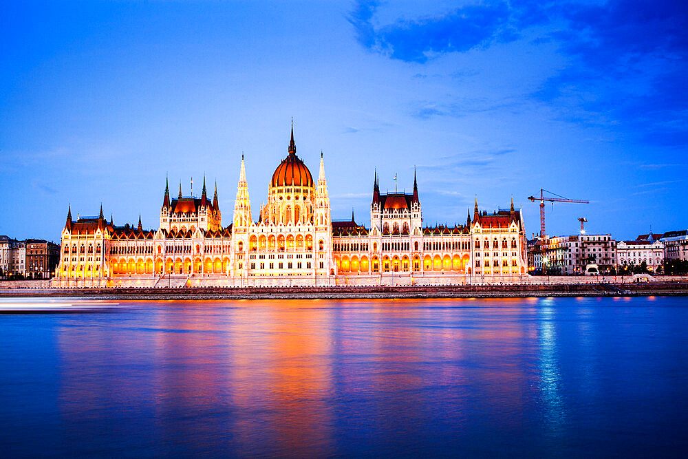 The Hungarian Parliament Building on the banks of the Danube in Pest - 1265-162