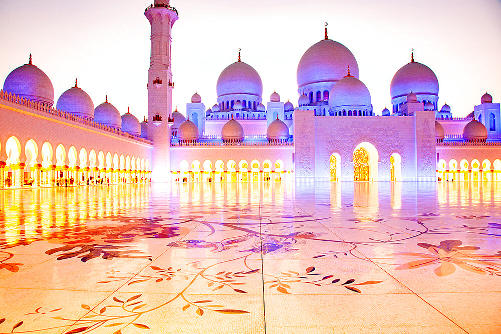 The Sheikh Zayed Grand Mosque, the largest mosque in the country, in Abu Dhabi, the capital city of the United Arab Emirates. - 1265-167