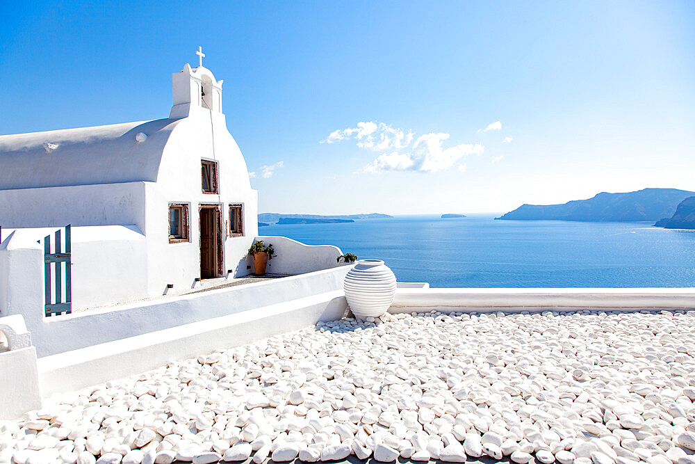 Traditional Greek architecture in Oia, Santorini, Thira, Southern Aegean. - 1265-183
