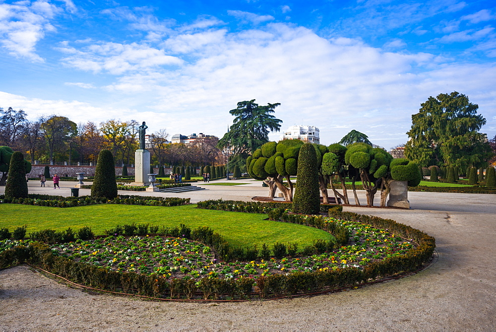 Manicured gardens in Retiro Park, Madrid, Spain, Europe