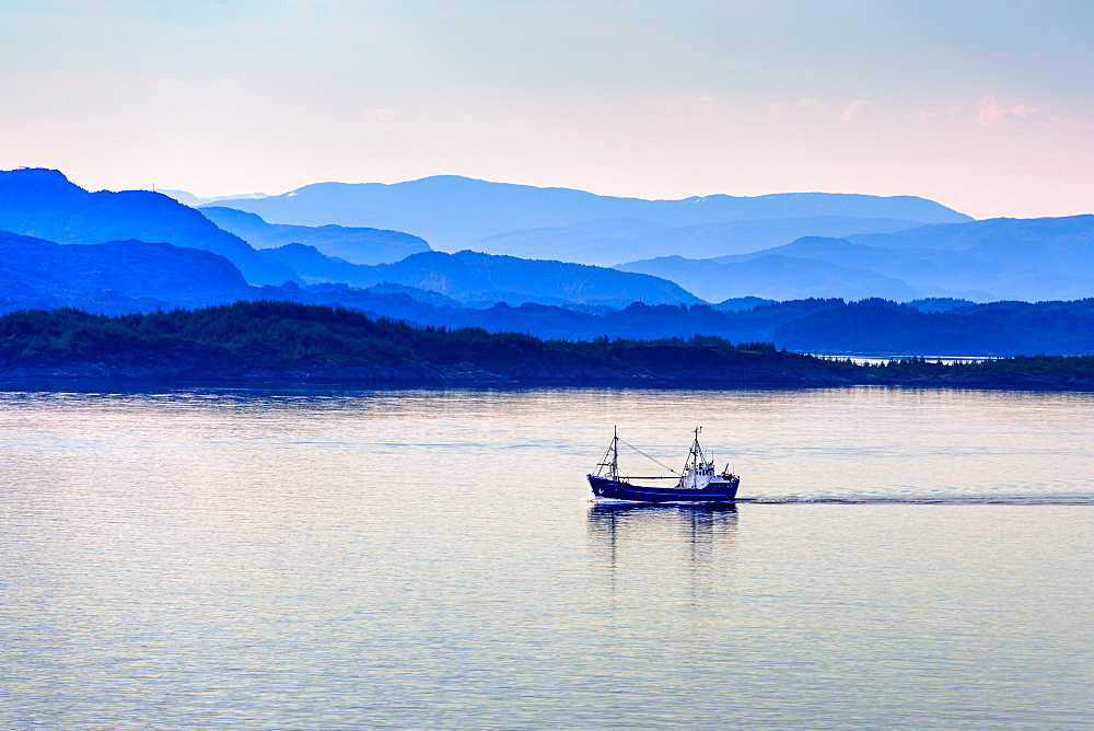 Tranquil coastal scenery at dawn south of Bergen, Hordaland, Norway, Scandinavia, Europe