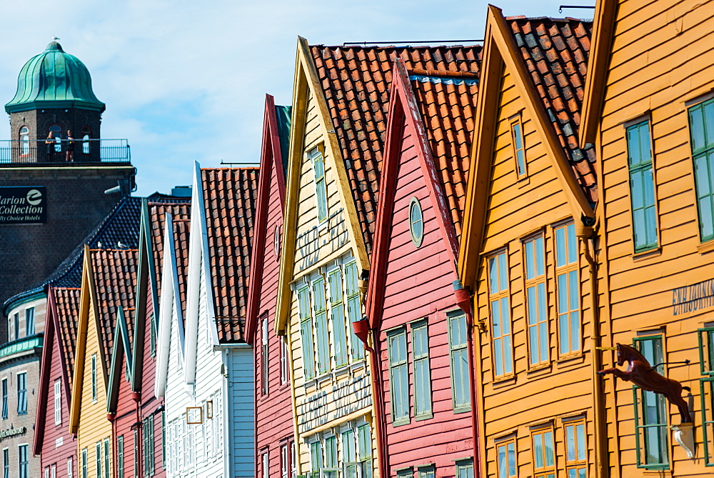 Row of wooden houses, Tyske Bryggen, Hanseatic Quarter, UNESCO World Heritage Site, Bergen, Hordaland, Norway, Scandinavia, Europe - 1267-225