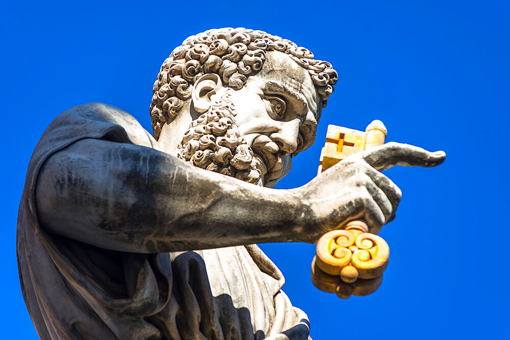 Statue of St. Peter in front of St. Peter's Basilica, Vatican City, Rome, Lazio, Italy, Europe - 1267-269