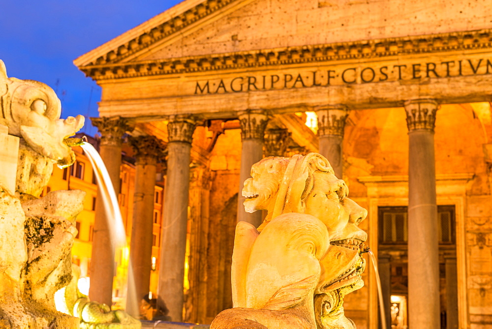 Fontana del Pantheon at dusk, commissioned by Pope Gregory XIII, with the Pantheon, UNESCO World Heritage Site, on the Piazza della Rotonda, Rome, Lazio, Italy, Europe - 1267-320