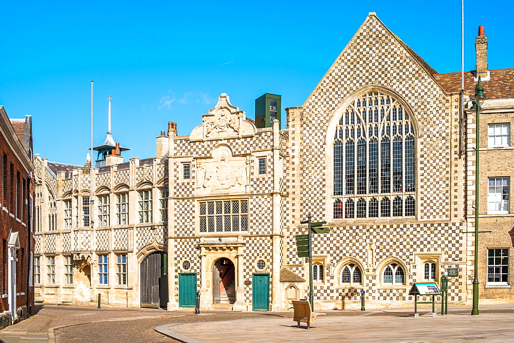 Saturday Market Place with Trinity Guildhall and Town Hall, King's Lynn, Norfolk, East Anglia, England, United Kingdom, Europe