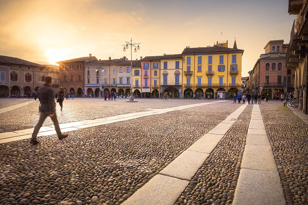 Sunset at Piazza della Vittoria (Vittoria Square), Lodi, Province of Lodi, Lombardy, Italy, Europe - 1269-175