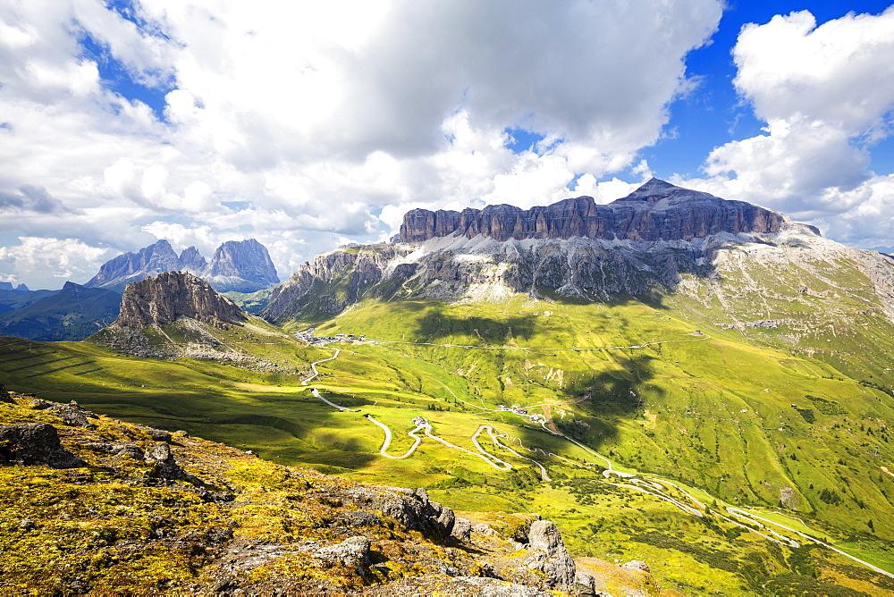 Pordoi Pass road with Sella Group and Sassolungo group, Pordoi Pass, Fassa Valley, Trentino, Dolomites, Italy, Europe